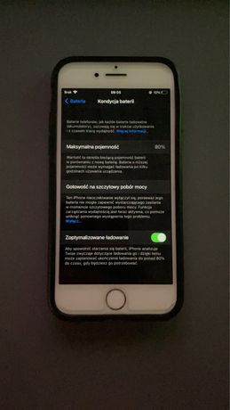 Srebrny Iphone 7