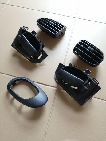 Grelhas de ar e puxadores Peugeot 206