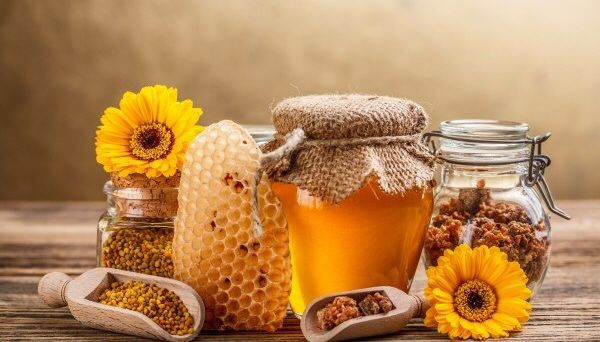 Продаємо мед. Тільки натуральний склад!