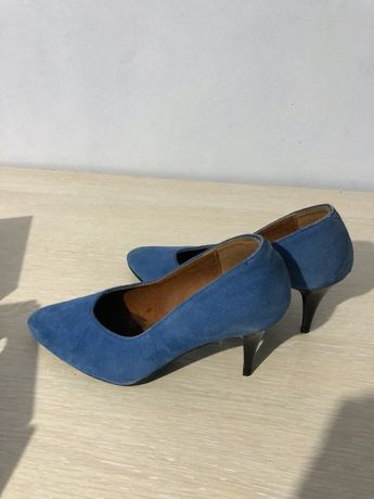 туфлі жіночі - 37 розмір.