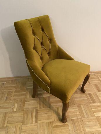 Zestaw 4 krzesła krzesło pikowane z kołatką glamour musztardowe dębowe