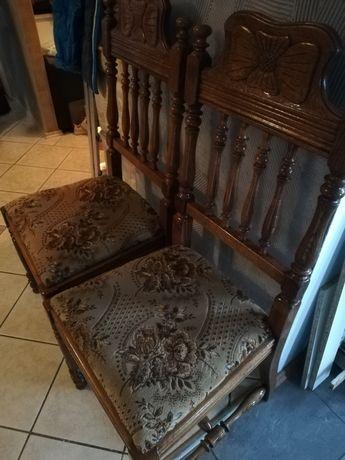 Stylowe solidne krzesła z obiciem