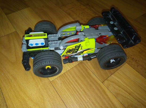 Продам машину Лего Технік. Оригінальна. Стан новий, тільки без коробки