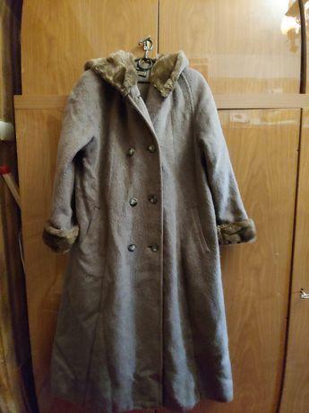 Пальто осеннее 48-50размер