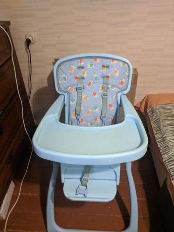 Детский стульчик для кормления Geoby,в хорошем состоянии без дефектов.