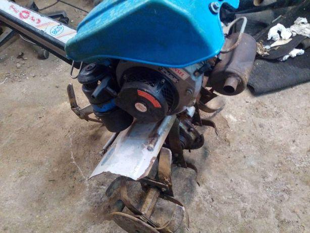 moto-enxada BCS motor a 2 tempos