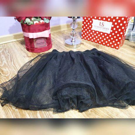 Czarna, tiulowa spódniczka