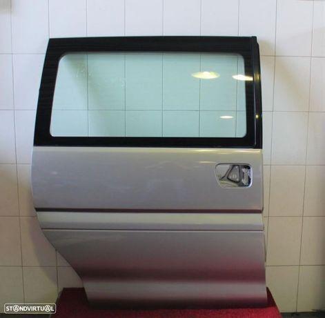 Portas lateral/correr direita e esquerda Mitsubishi L400 Space Gear 95-00