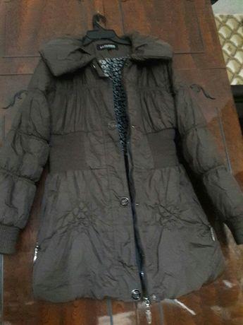 Куртка женская. р-р 48.