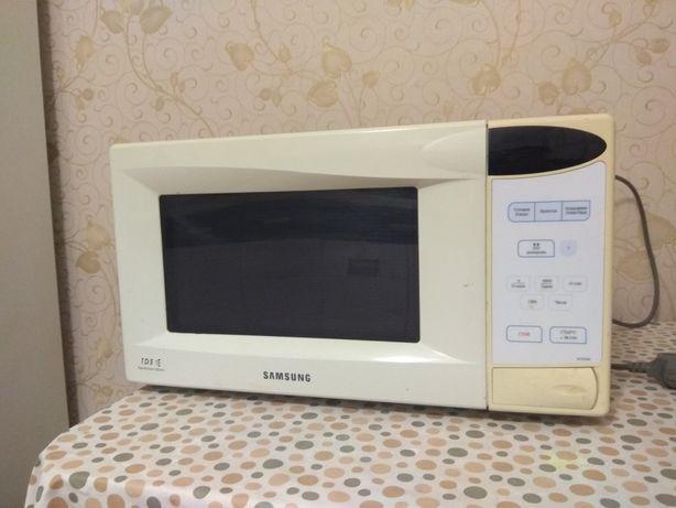 Микроволновая печь Samsung m1833nr