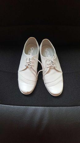 Buty białe na komunię dla chłopca rozm. 32