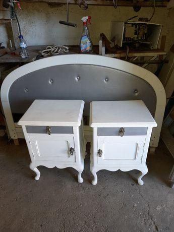 Cama de casal e mesas de cabeceira