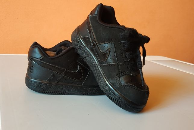 Детские кроссовки , кеды