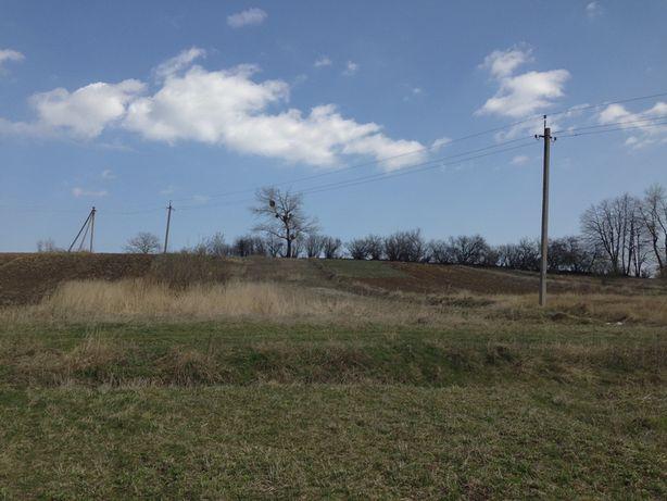 Продається земельна ділянка 0.10 ГА під будівництво.