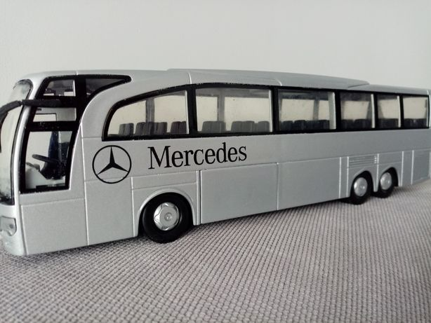 Model autobus Mercedes Travego 1/43