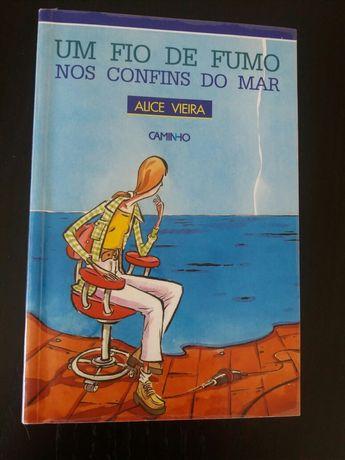 Livro Um fio de fumo nos confins do mar de Alice Vieira