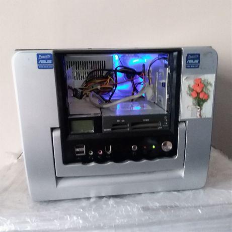 mały komputer asus stacjonarny