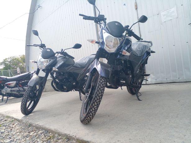 Мотоцикл  Lifan CCR 150
