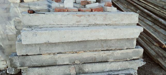 Столбики,Пасынки бетонные 1.40 длинна 14/12 размер цена 100 гр штука