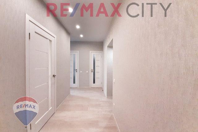 Продажа 2-х комнатной видовой квартиры с дизайнерским ремонтом