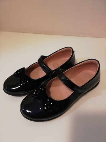 Sapatos de verniz azul marinho, tam33 pablosky. Excelente estado.