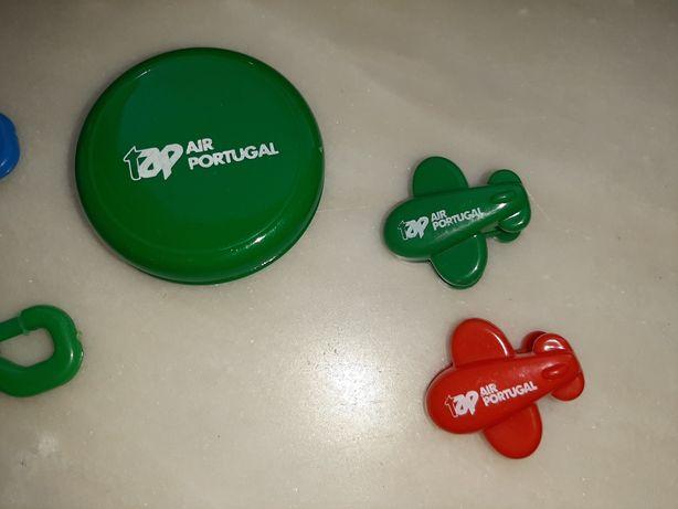 Baralho de cartas, porta-chaves, molas, yo-yo TAP