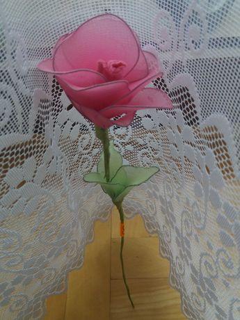 Róża ręcznie robiona (z rajstop) 1 szt. Różowa