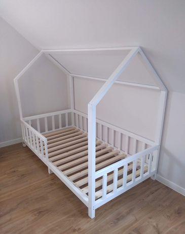 Łóżko dziecięce domek drewniane białe komplet materac stelaż ochraniac