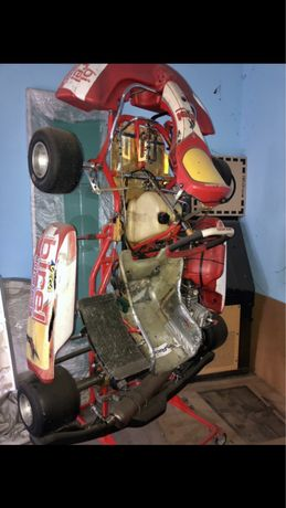 Картинг: Свис-Хатлис ( рама 1040 ) Мотор: КФ-3 ( комер)