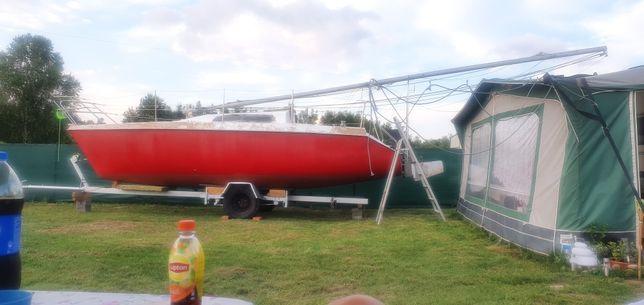 Jacht żaglowy kabinowy Mors 720 rt