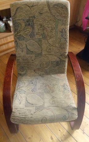 Fotel używany w dobrym stanie.