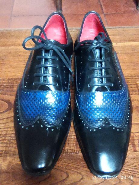 Sapatos em pele preto e azul da Angel Infantes como novo tam. 39