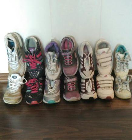 Кроссовки фирмы Adidas для девочек