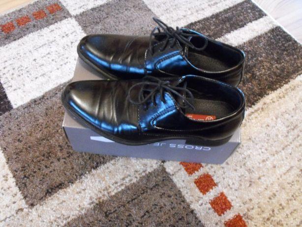 buty czarne chłopięce