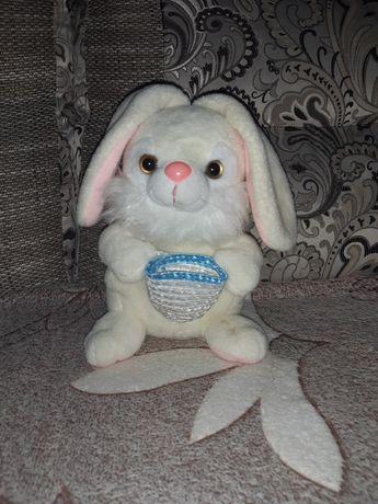 Поющий белый кролик