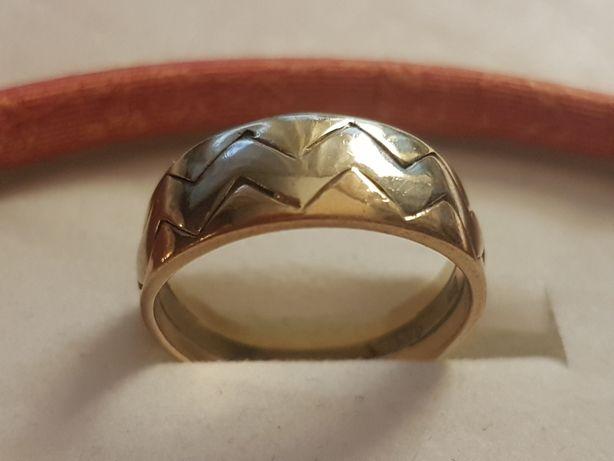 Pierscionek złoty ala obrączka z trzy kolorowego złota