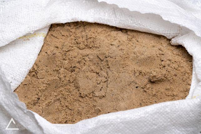 Песок (40 кг) и щебень (37-40кг) в мешках