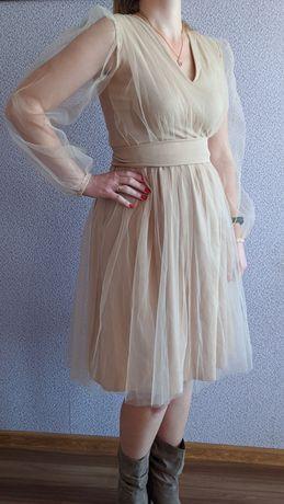 Дуже гарне фатінове плаття