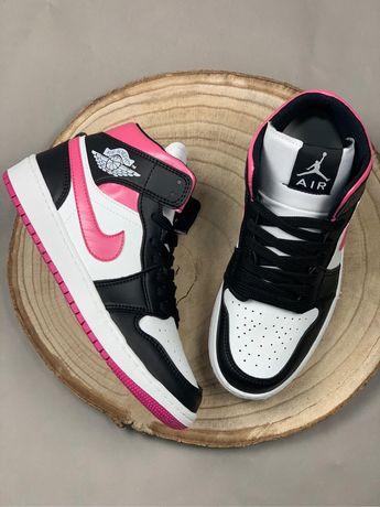 Nike Air Jordan 1 Preto e Rosa (novos na caixa)