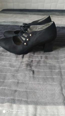 Pantofle damskie zamszowe r .35