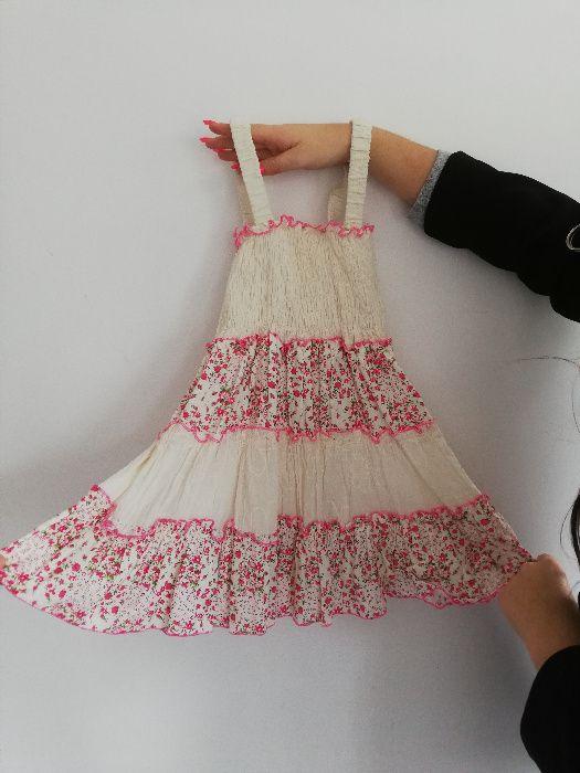 Biała sukienka w kwiatuszki dla młodej dziewczynki Rzeszów - image 1