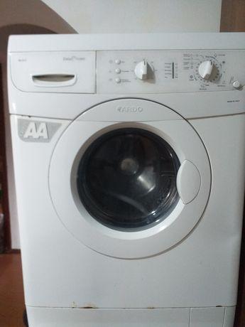 Продам  стиральную машинку Ardo SE 810.