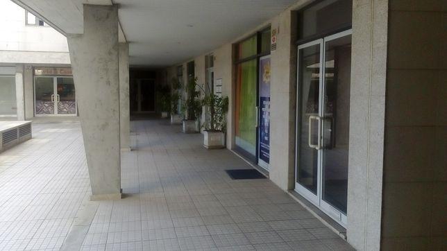 Loja/Escritório em Paredes