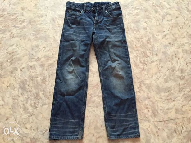 Продам джинсы на мальчика H&M размер 134