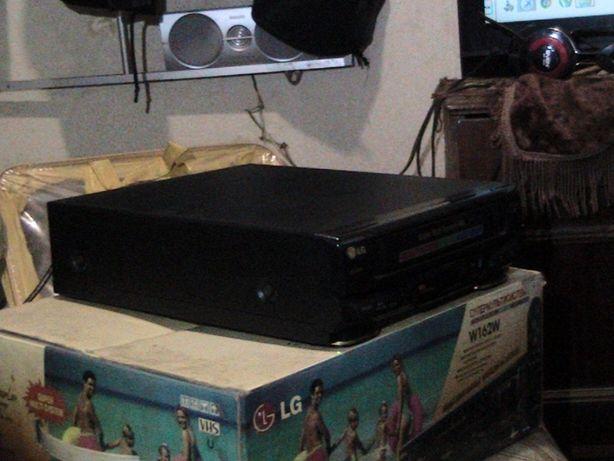 продам видеоплэиер LG W162W