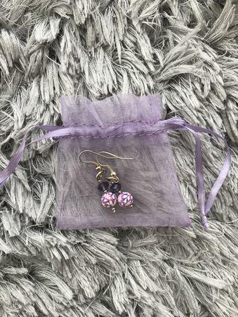 Brincos lilás
