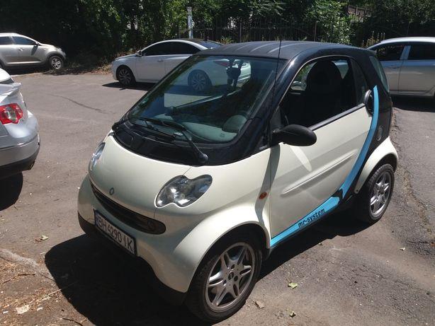 Продам автомобиль Smart Fortwo