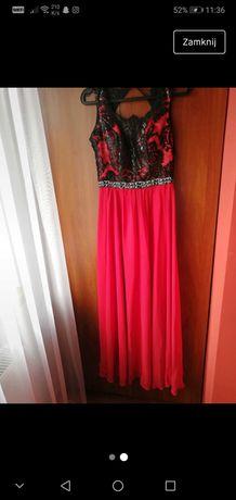 Czerwona długa sukienka
