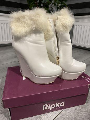 Нові Білі черевички, 36р. Теплі.