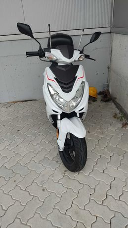 Scooter Vortex Axis 125